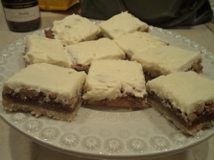 Delicious Walnut Bars