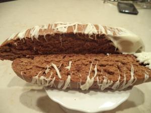 Gingerbread Biscotti w white chocolate drizzle