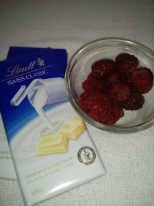 Fresh raspberries and white chocolare