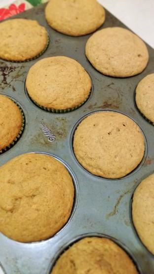 sour-cream-pumpkin-muffins